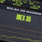 La subida de tipos se acerca: el Ibex sube y el euro marca mínimos