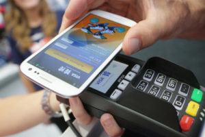 pagos con móvil en redes sociales