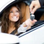 Alquilar un coche con tarjeta de débito ¡sí es posible!