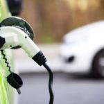 ¿Crees que un préstamo coche no sirve para comprar un vehículo eléctrico? Estás equivocado
