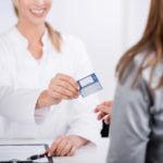 ¿Se puede firmar una tarjeta de crédito sin cambiar de banco?