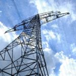 Iberdrola y Endesa pierden clientes, ¿tan malas son sus tarifas de luz?