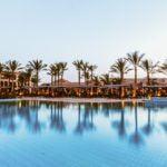 ¿Cuántos años de tu sueldo necesitas para alojarte en el hotel más caro de cada continente?