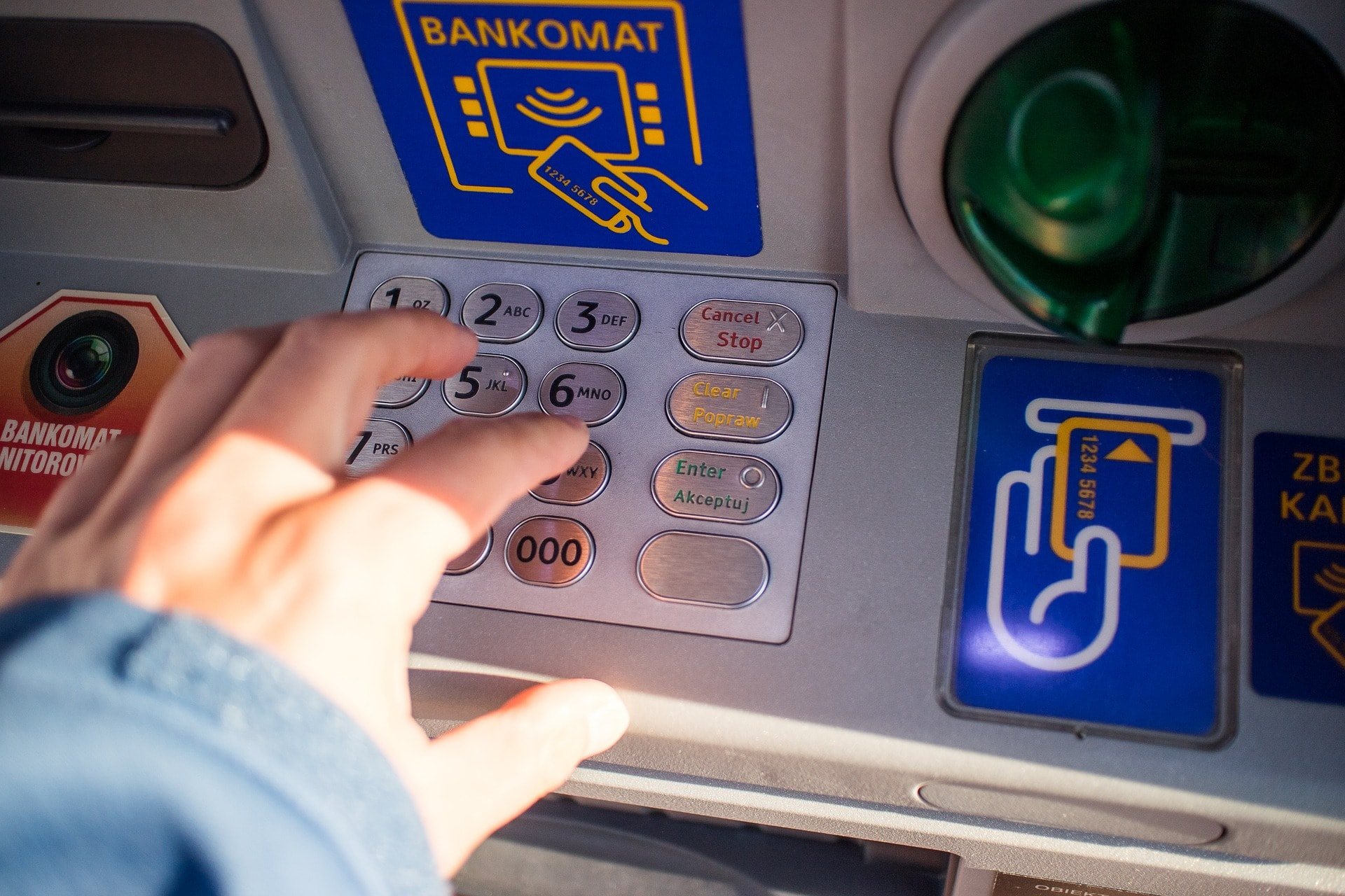 sacar dinero sin tarjeta