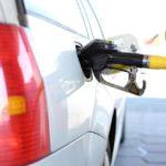 Cuentas con descuentos en gasolineras, la solución a la subida del carburante