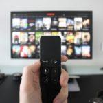 Peli, sofá y manta: consigue tu televisor con la cuenta regalo de imaginBank