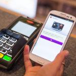 Los bancos se abonan al pago móvil: más del 90% permiten esta operación con el 'smartphone'