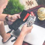Ocho de cada 10 españoles prefieren el pago con tarjetas y móvil antes que con efectivo
