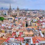 Quiero vender un piso en Barcelona ¿qué tipo de inmobiliaria me conviene contratar?