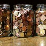 Los españoles ahorramos en cuentas corrientes o en metálico