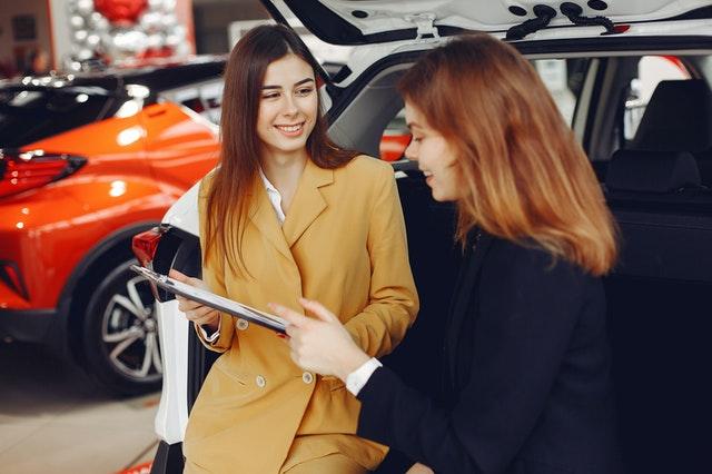 que mirar al pedir un prestamo coche en el concesionario