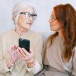 Cómo empezar a pagar con el móvil si eres un anciano digital