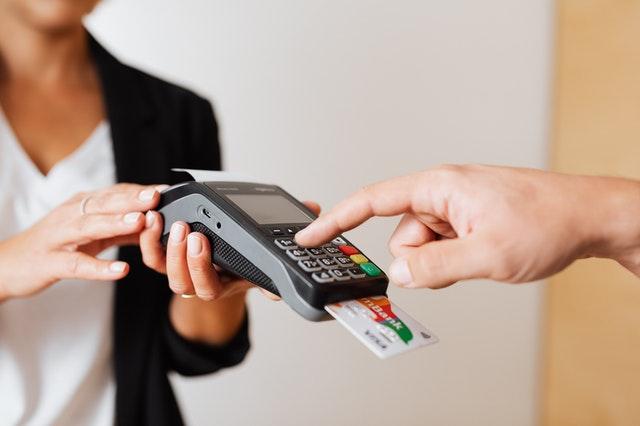 como usar tarjetas de credito a debito