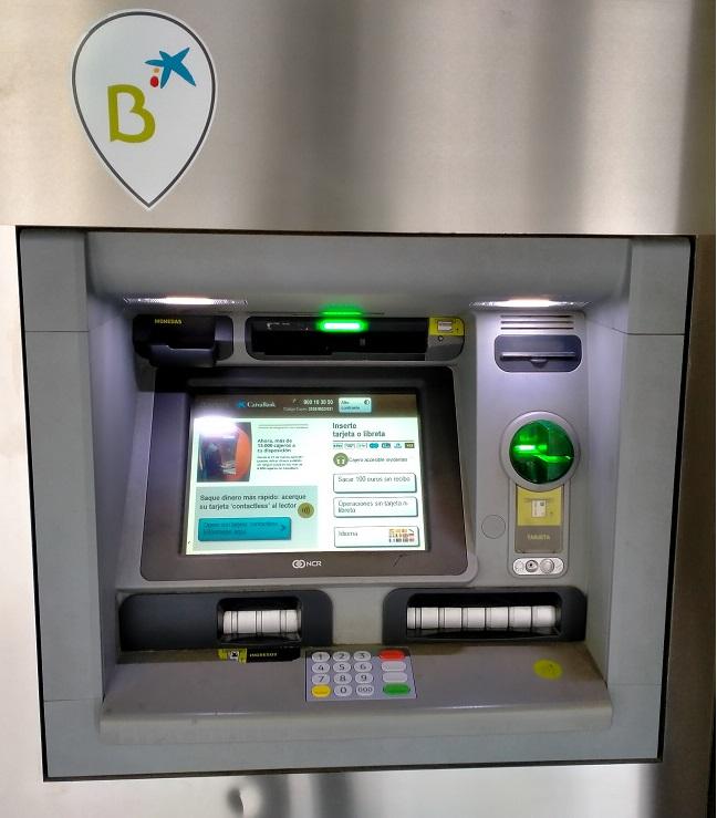 Cajeros de Bankia y CaixaBank