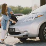 La venta de coches Eco se dispara y adelanta a los de cero emisiones